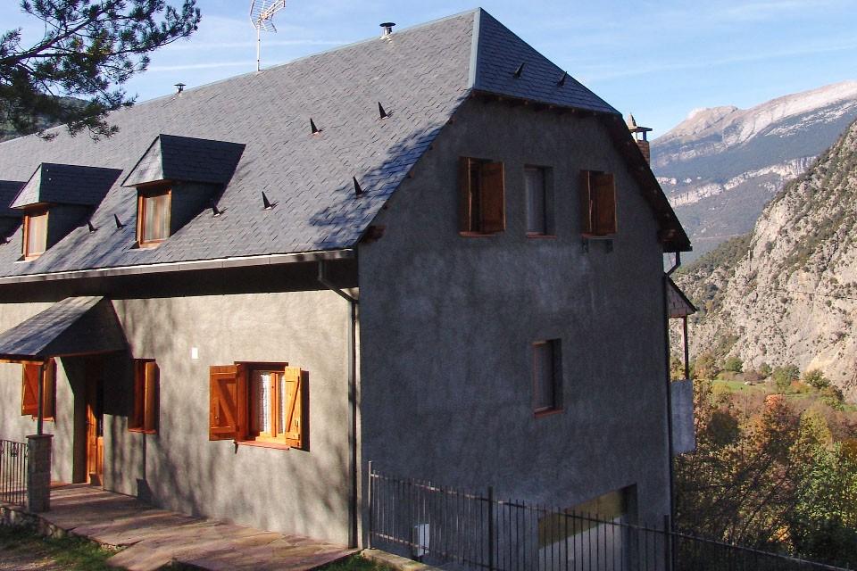 Apartamentos Alpinals, Saravillo