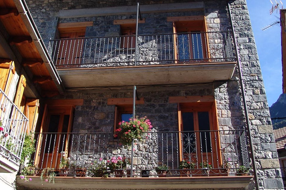 Casa Cazcarra, Saravillo