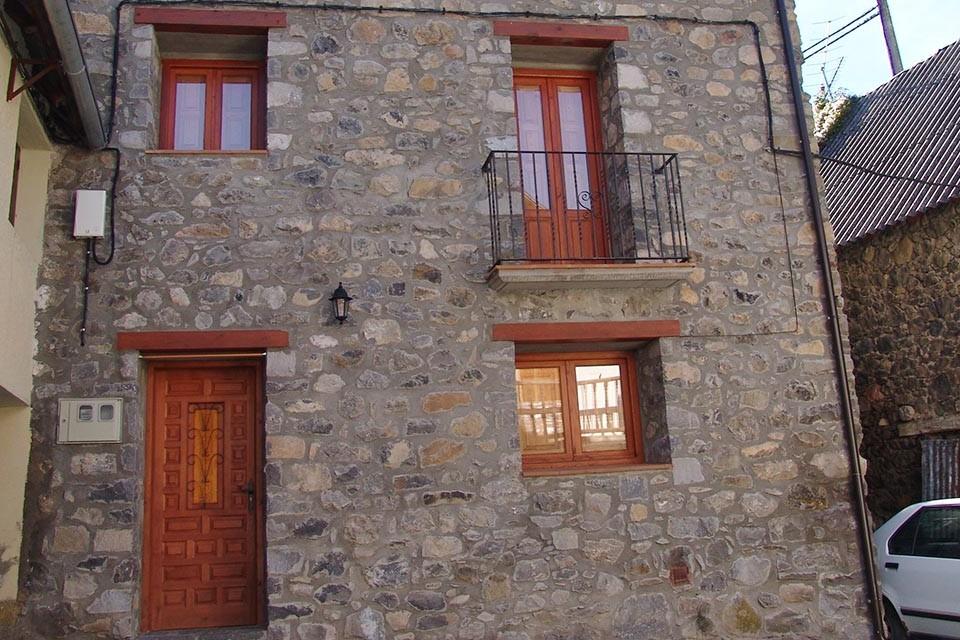 Casa Damián, Saravillo