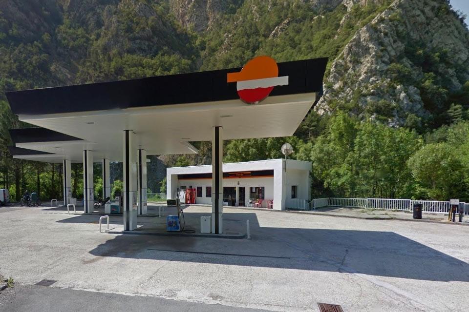 Gasolinera Salinas de Sin