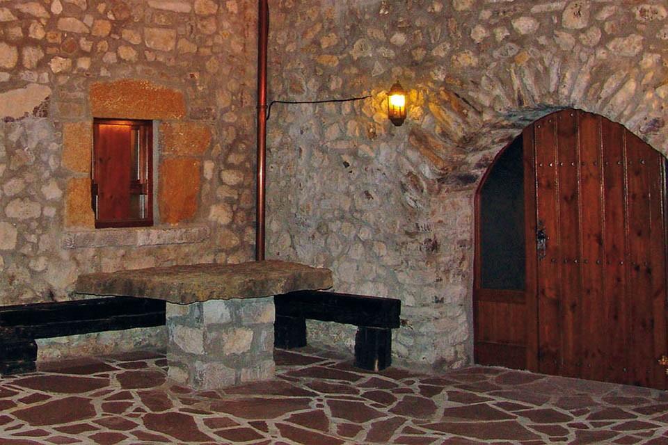 Casa Ramon, Sin